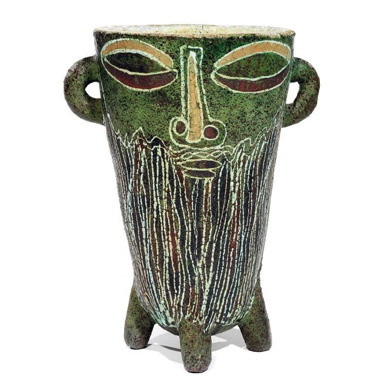 ACCOLAYImportant vase cratère en terre chamotée pouvant former vasque lumineuse, piétement quadripode, corps conique évasé à prises ...