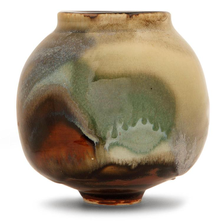 RENÉ BEN LISA (1926-1995) Vase ovoïde à col droit en grès, coulures d''émaux bleu gris, rehauts verts et marrons sur fond jaspé ver...