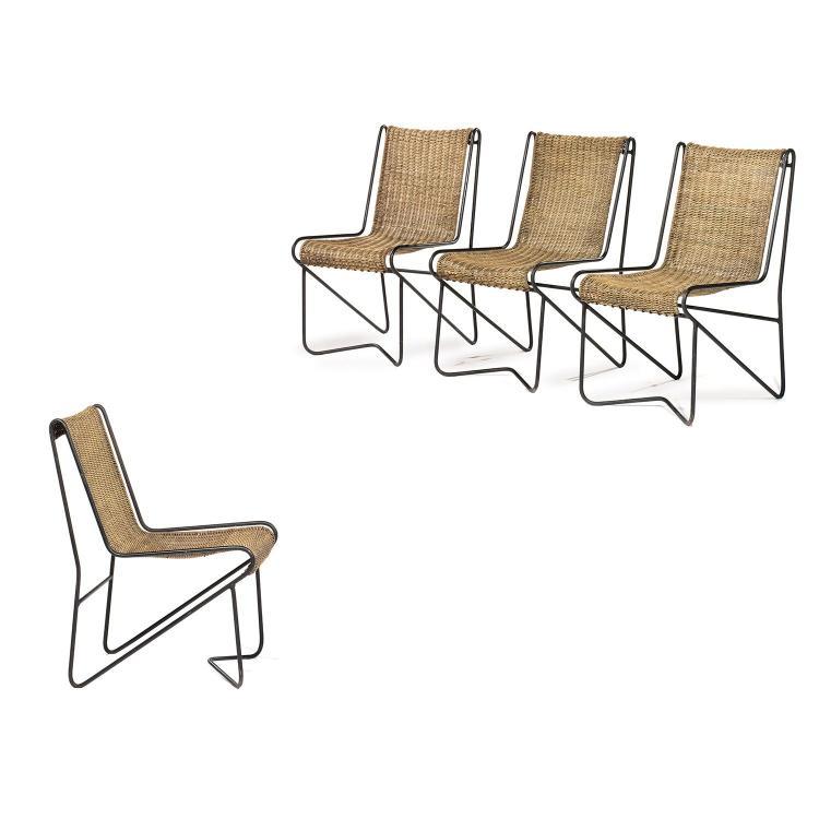 MATHIEU MATÉGOT (1910-2001)Suite de quatre fauteuils à structure métallique tubulaire laquée noire, structure souple maintenant une ...