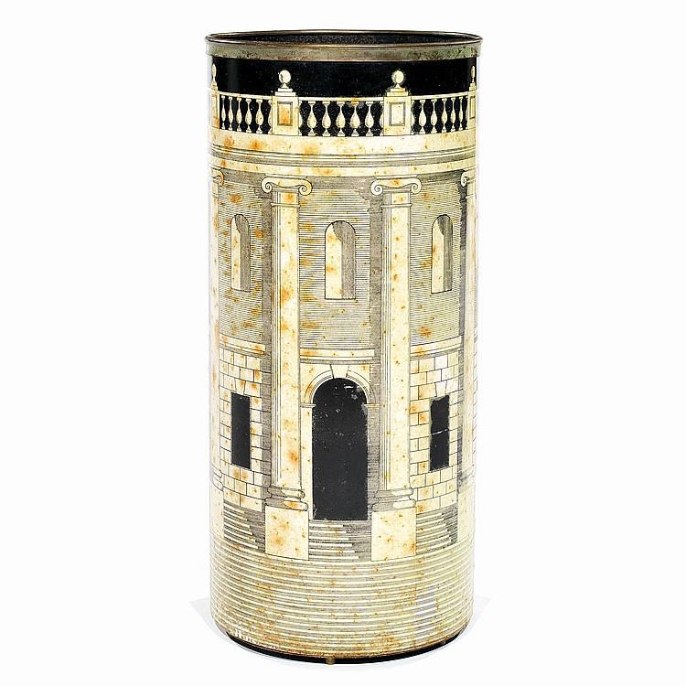 PIERO FORNASETTI (1913-1988) Porte-parapluies formant haut cylindre en tôle lithographiée à décor d'une architecture néo-classique...