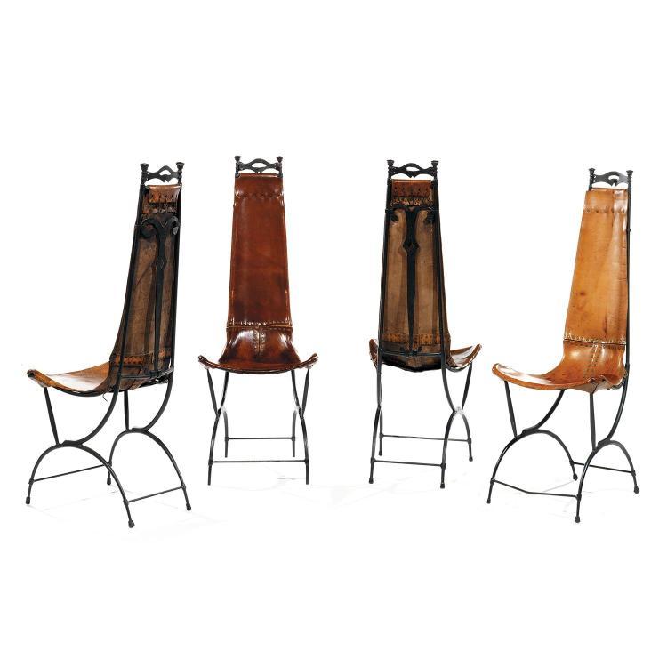 SIDO (1934-1986) & FRANÇOIS (1931-2016) THÉVENINSuite de quatre chaises élancées en fer battu à patine noire, piétement formant arca...