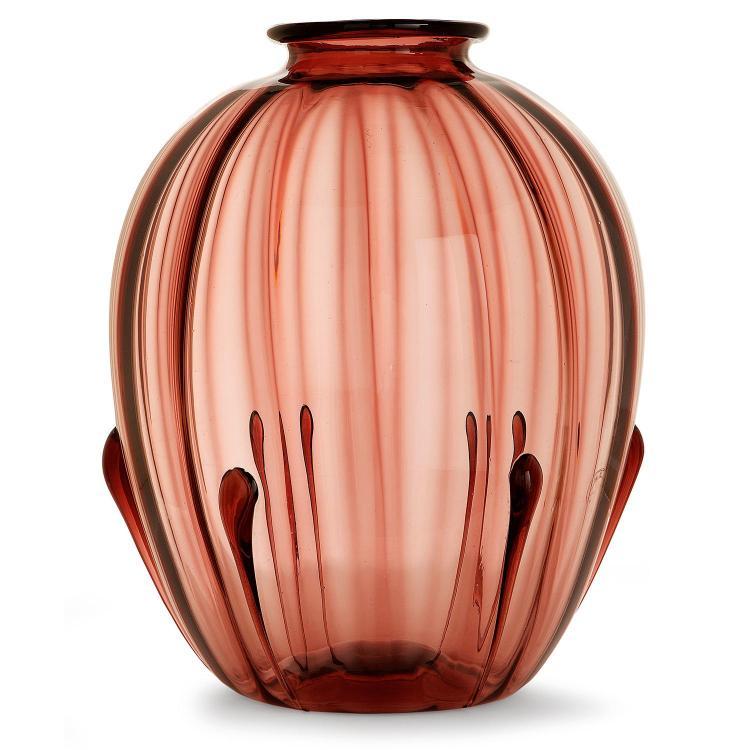 VITTORIO ZECCHIN (1878-1947) Vase ovoïde en verre soufflé violet, corps animé de nervures, décor de larges gouttes en relief. Cach...