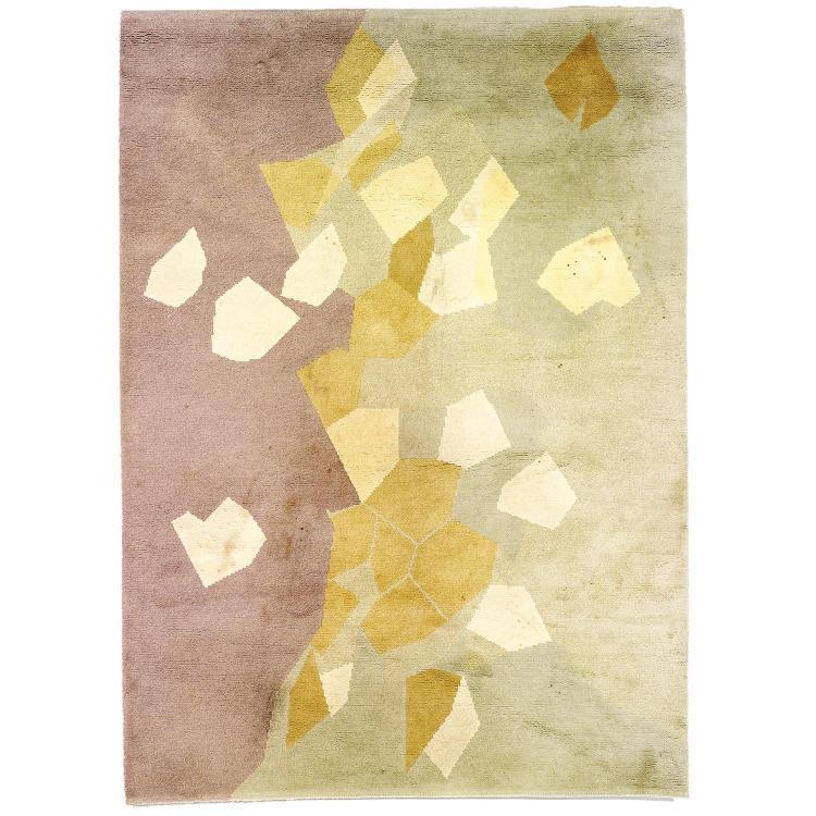 ANDRÉ BEAUDIN (1895-1979)Tapis rectangulaire à points noués, tissé main, haute laine, à décor d''une composition géométrique en dégra...