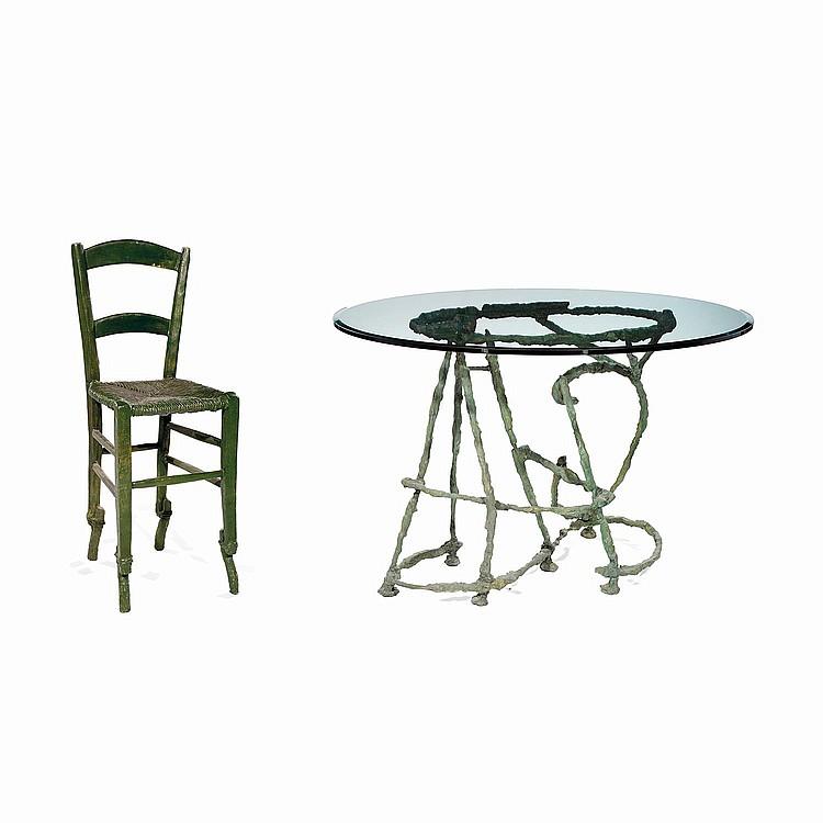 SANDRO CHIA (NÉ EN 1946) Table et chaise, 1989, d'une édition limitée à 25 exemplaires, en bronze et plateau en verre. A bronze...