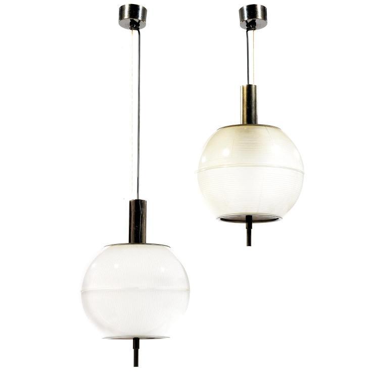 IGNAZIO GARDELLA (1905-1999)Suite de deux suspensions à corps sphérique en verre satiné et rainuré, hampes, calottes perforées et ca...