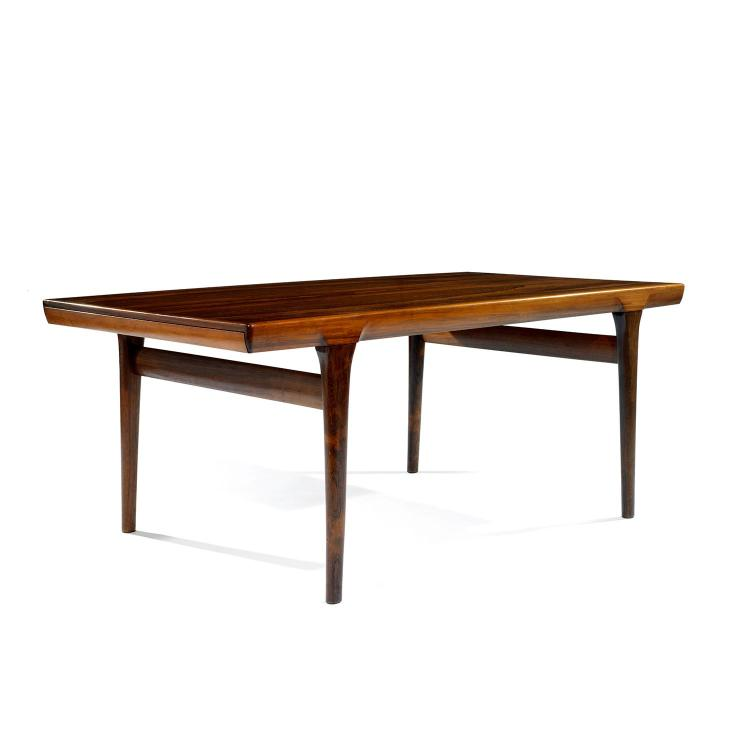 Ib kofod larsen 1921 2003 faarup mobelfabrik table de sa for Table salle a manger tronc d arbre