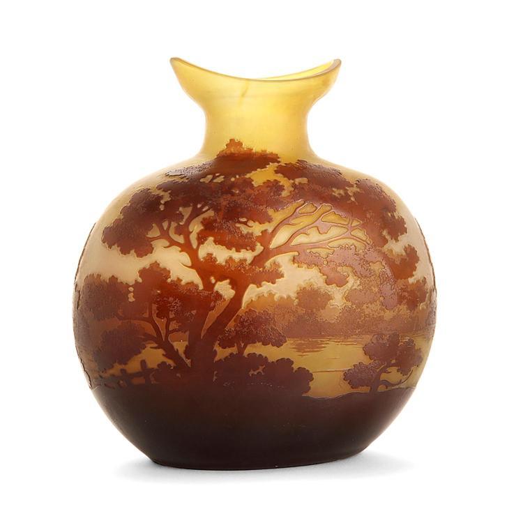 Etablissements gall vase gourde en verre multicouche brun s for Decoration vase en verre