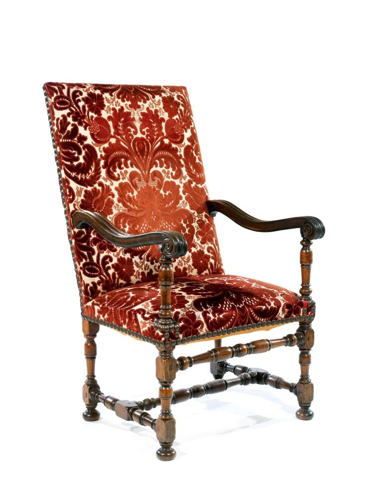 fauteuil de repos nord de la france xviiesi cleen noyer to. Black Bedroom Furniture Sets. Home Design Ideas