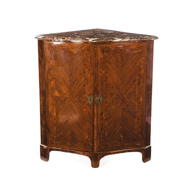 large encoignure d 39 39 poque louis xven placage de bois de ros. Black Bedroom Furniture Sets. Home Design Ideas