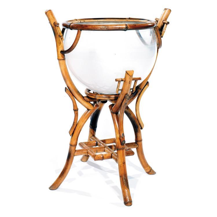 jardini re en bambou vers 1900 contenant en verre h misph. Black Bedroom Furniture Sets. Home Design Ideas