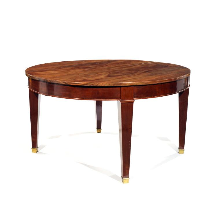 Importante table de salle manger de style n o classique a - Table salle a manger solde ...