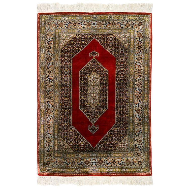 Tapis de soie perse ou anatolie fond rouge dense d cor r - Tapis beige et rouge ...