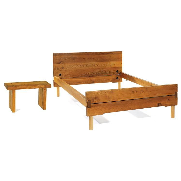 pierre chapo 1927 1986 lit deux places en orme pi tement. Black Bedroom Furniture Sets. Home Design Ideas