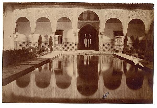 Charles Clifford (1819-1863) L'Alberca, l'Alhambra, Grenade, vers 1853 Épreuve albuminée, négatif papier, non montée, signature du p...