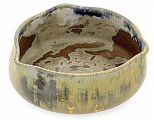 THÉO PERROT (1856-1942) A circular stoneware bowl. Carved signature. Height. 2 5/8 in. - Diam. 6 1/4 in.
