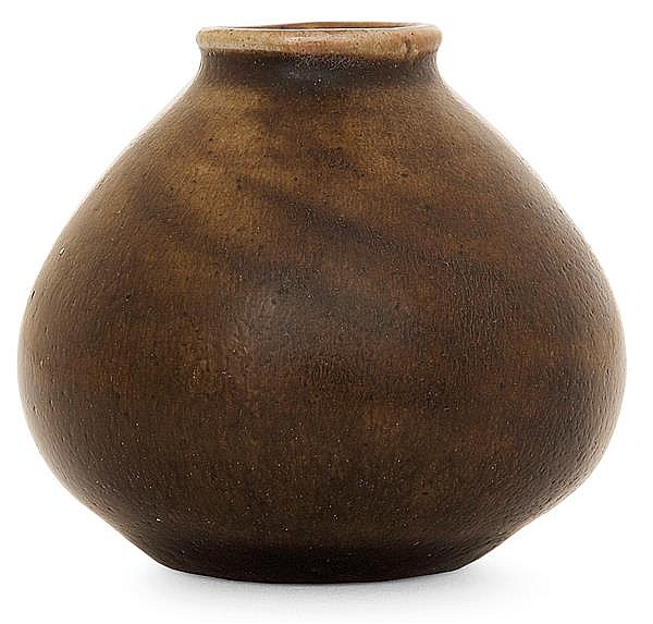 HENRI SIMMEN (1880-1963) A small stoneware vase. Signed. height. 2 in.