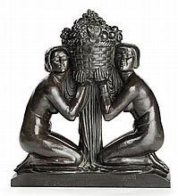 PIERRE-CHARLES LENOIR (1879-1953) Sculpture Art déco en bronze à cire perdue, patine brune sur base verte, représentant deux femmes ...