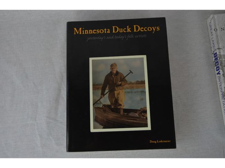 BOOK, 1st EDITION MINNESOTA DUCK DECOYS, YESTERDAYS & TODAYS FOLK ARTISTS BY DOUG LORDERMEIER. 2009