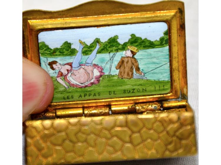 EROTIC FRENCH NUDE MATCH BOX VICTORIAN NUDE HIDDEN INSIDE DAMAGE