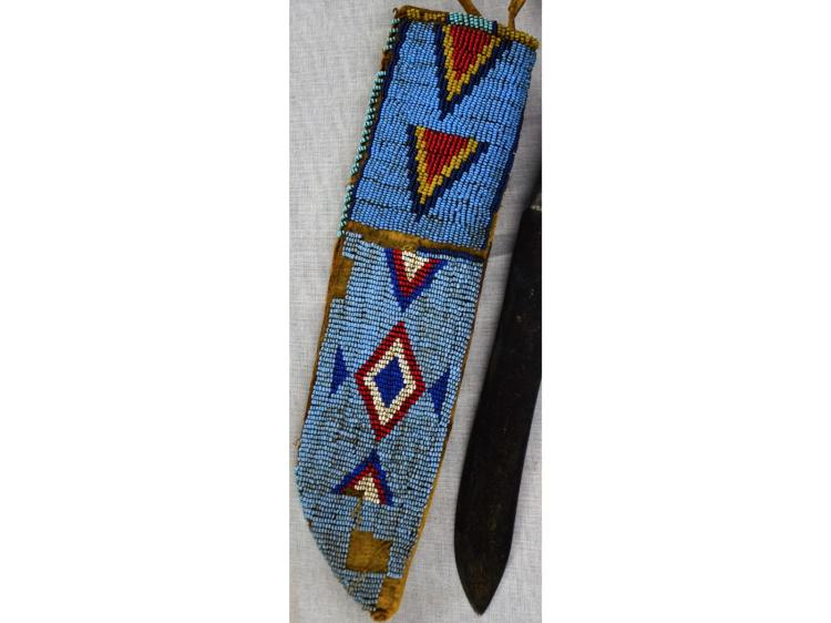 PLAINS BEADED KNIFE SHEATH CASE WITH KNIFE CA 1870 NATIVE AMERICAN INDIAN BEADWORK