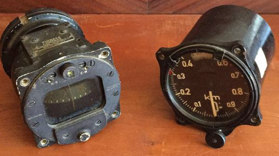 Lot of 2 Antique/Vintage Gauges