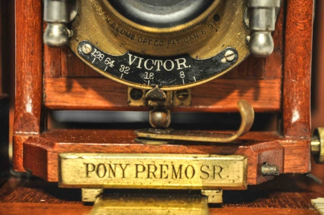 Rochester pony premo victor bellows folding camera for Leather house victor ny
