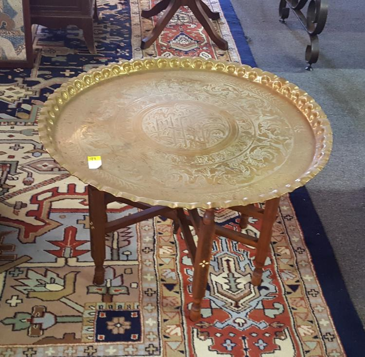 Vintage brass center table with folding base for Cuir center table basse