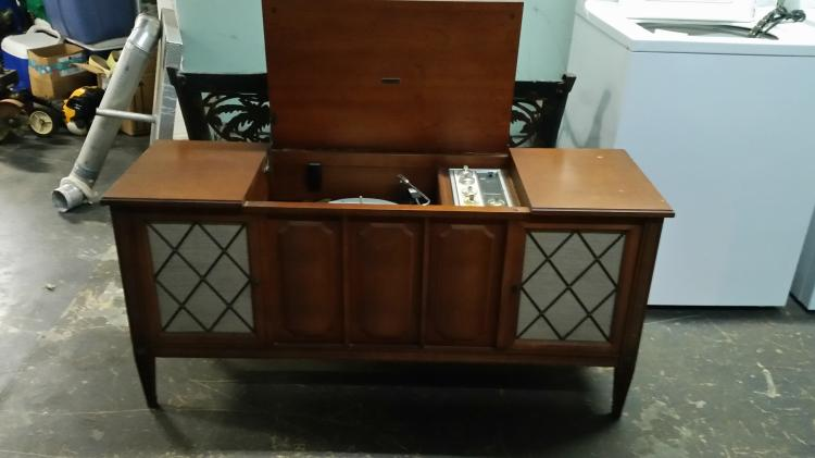 Zenith console stereo for Zenith sofa table