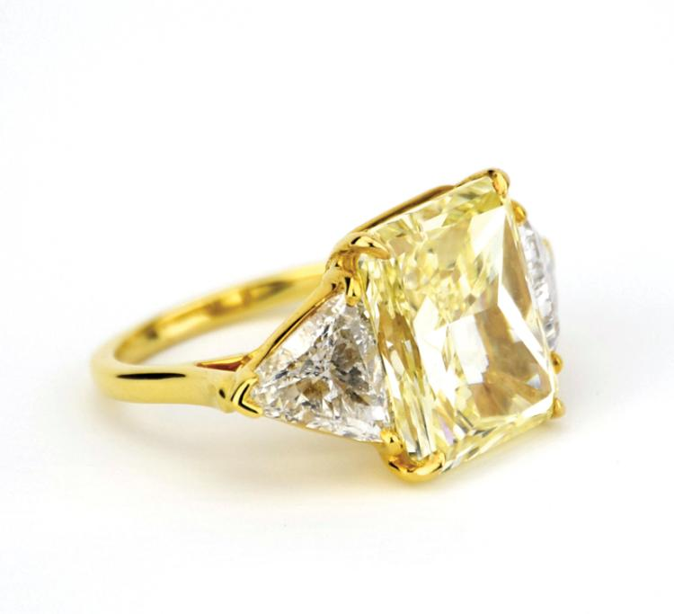 Lisa Marie Presley's Sparkling 10+ Carat Diamond Bulgari Engagement Ring from Nicolas Cage