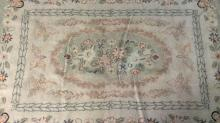 Floral Detailed Wool Rug W Oval Medallion Detail