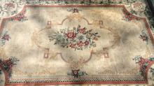 FERRAGHAN Worsted Fringed Wool Carpet