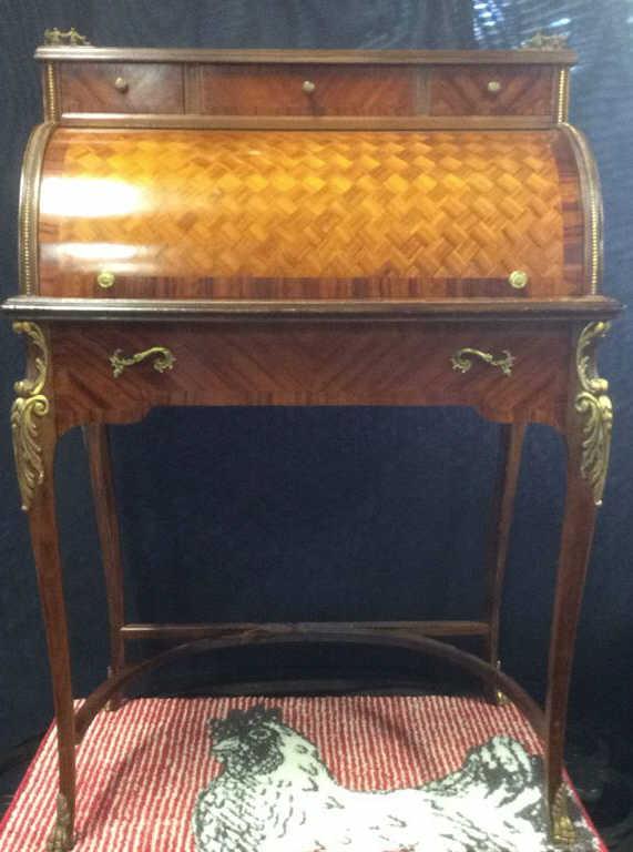 Lot 65: Continental Antique Ladies Writing Desk - Continental Antique Ladies Writing Desk