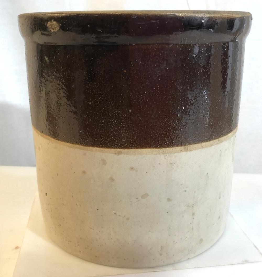 Split tone ceramic planter