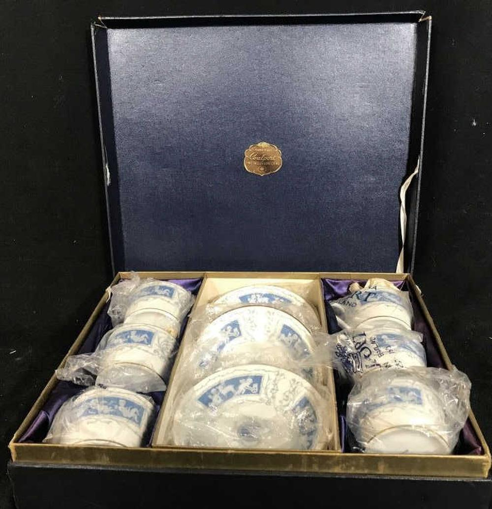 Boxed Set Coalport Porcelain Service for 6,