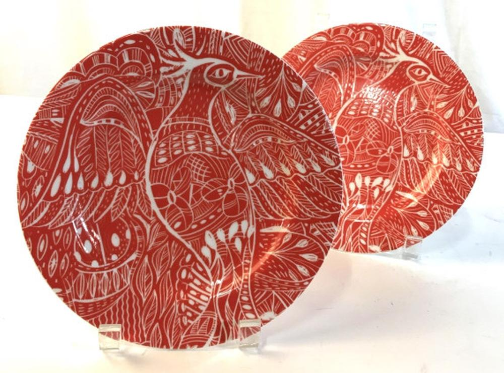 Set 5 red and white dessert plates