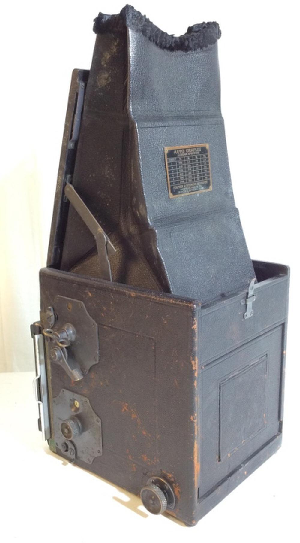 Antique Graflex Camera w Case, manual