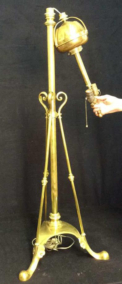 Antique brass double socket tripod base lamp for Brass tripod floor lamp uk