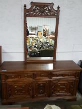 Thomasville Vanity Dresser