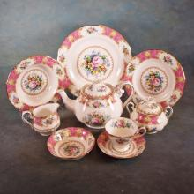 Approx 59pcs (Service for 8 + Teapot, Cream & Sugar) Royal Albert