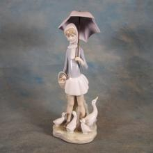 Lladro Figure - Girl w/Umbrella & Ducks   11