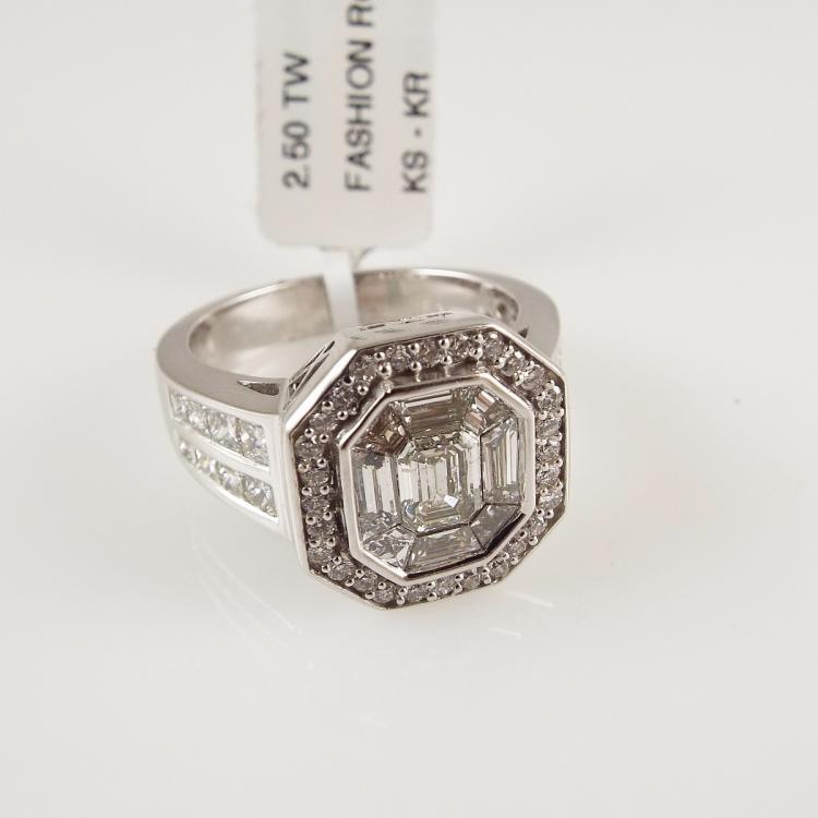 14K W G La s Ring w 2 50ctw Diamonds Retail $15 000 00