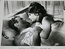 Elizabeth Taylor/Richard Burton signed photograph from' Cleopatra'
