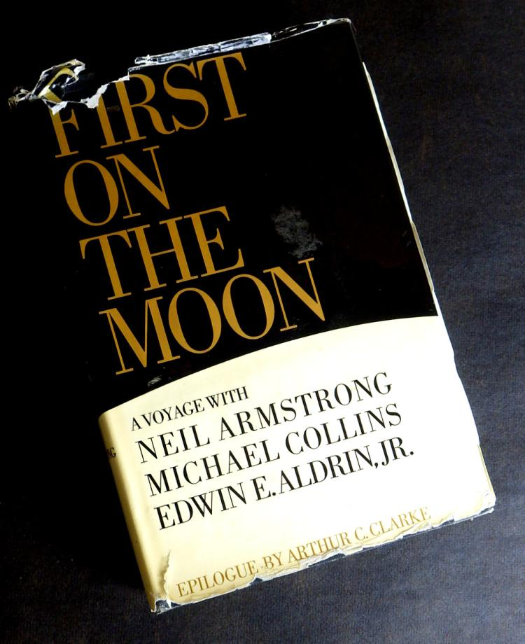 astronaut neil armstrong book - photo #7