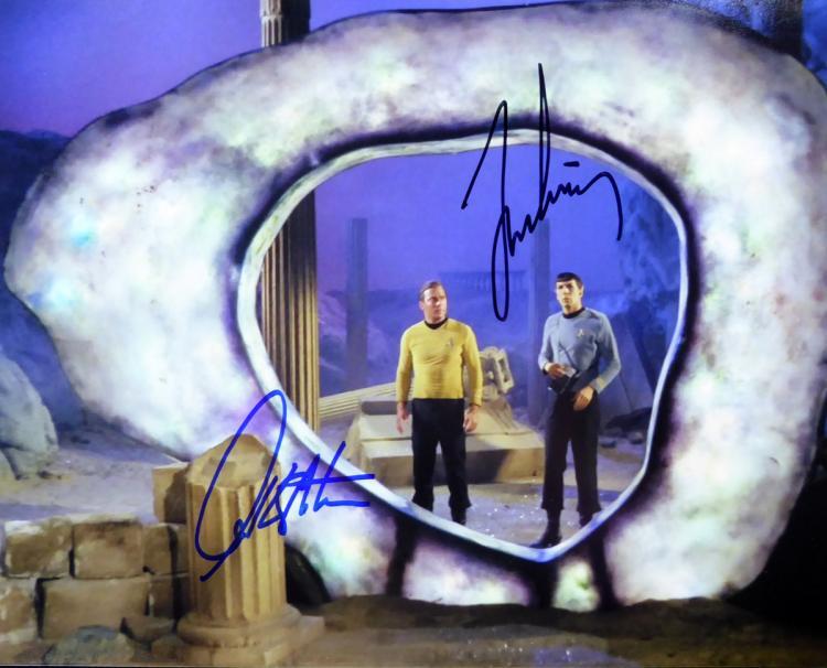 WILLIAM SHATNER & LEONARD NIMOY - Star Trek Photo Signed