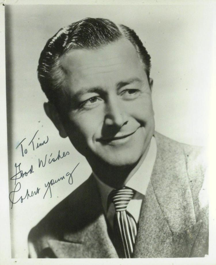 Actor ROBERT YOUNG - Photo Signed