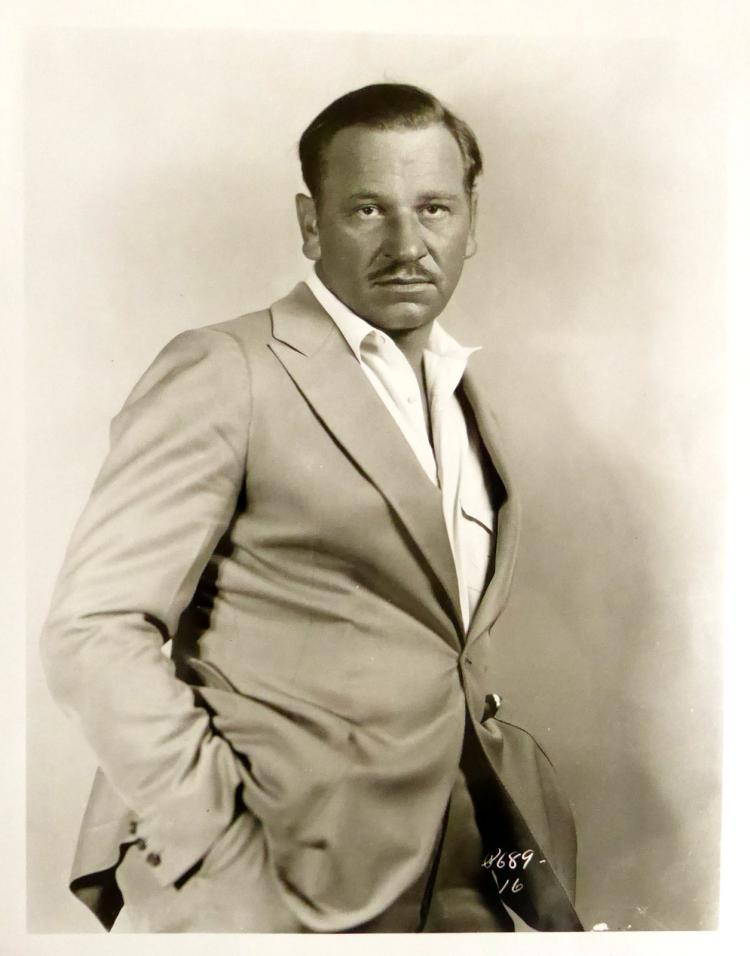 Actor WALLACE BEERY - Card Signed With Photo