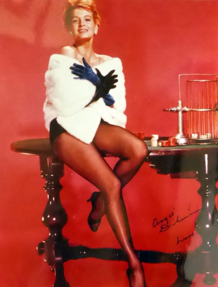 Actress ANGIE DICKINSON - Photo Signed