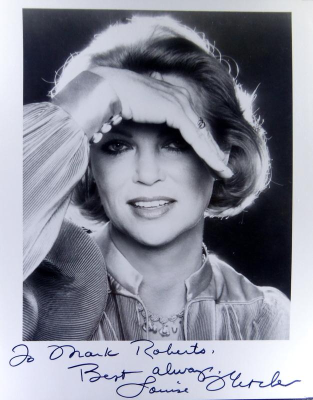 Actress LOUISE FLETCHER - Photo Signed