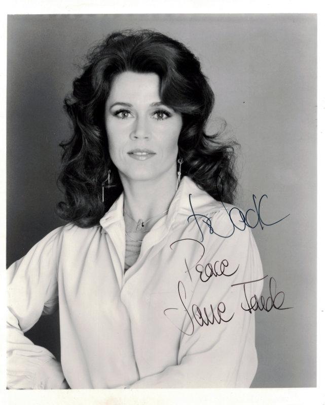 Actress JANE FONDA - Photo Signed