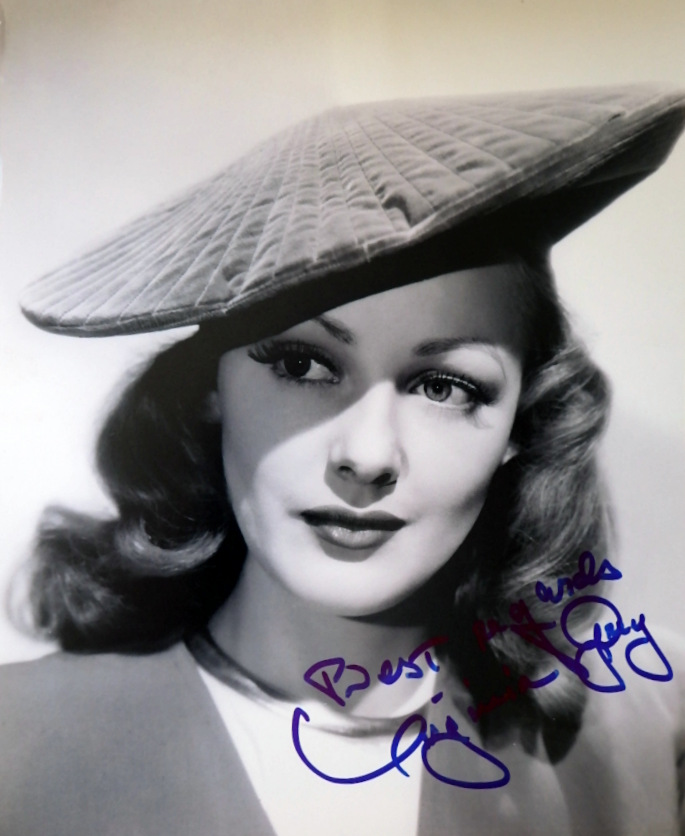 Actress VIRGINIA GREY - Photo Signed